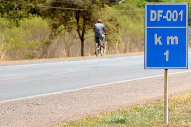 Proprietários de imóveis localizados nas margens de rodovias podem ganhar o direito definitivo de permanecer nesses locais - Zuleika de Souza/CB/D.A Press