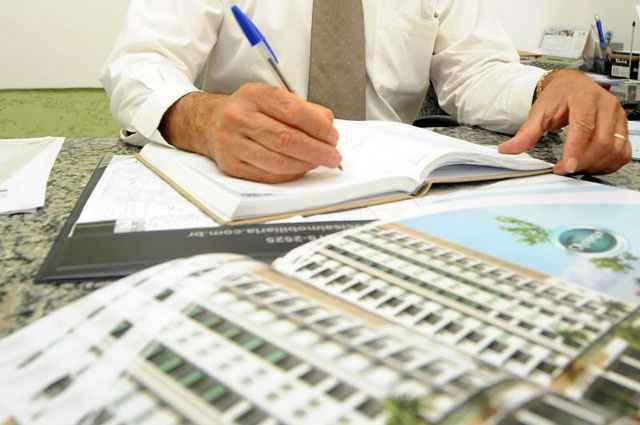 As imobiliárias, deverão emitir as notas fiscais via formato eletrônico (NF-e) em substituição ao modelo em papel, atualmente utilizado em três vias - Marcelo Ferreira/CB/D.A Press
