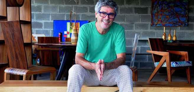 Há mais de 30 anos, Tunico encontrou o caminho pelo qual tanto procurou e o talento para trabalhar com madeira se tornou o verdadeiro ofício - Antonio Cunha/CB/D.A Press