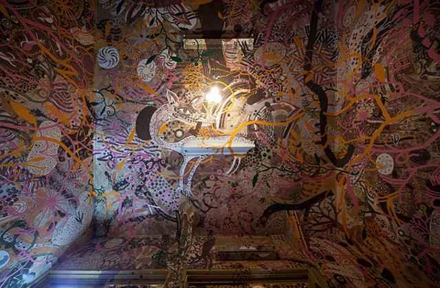 Artistas japoneses enfeitam escola com pinturas feitas em terra - Ko Yamada/Divulgação