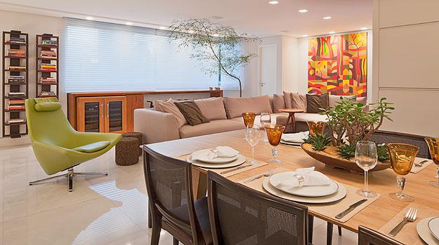 A arquiteta Marina Dubal usou persianas para dar mais conforto aos moradores - Divulgação/Henrique Queiroga