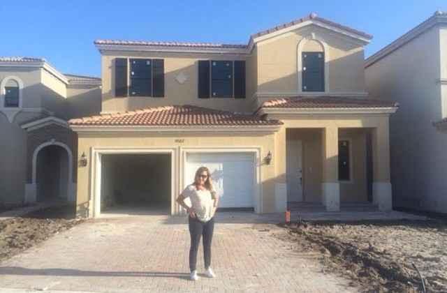 A agente de viagens Adriana Papadelis se mudou para os Estados Unidos com a família em abril deste ano