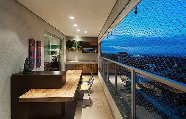 Sheila Mundim, designer de interiores, diz que uma opção para áreas menores é investir em pequenas hortas e jardins verticais - Petrônio Amaral/Divulgação
