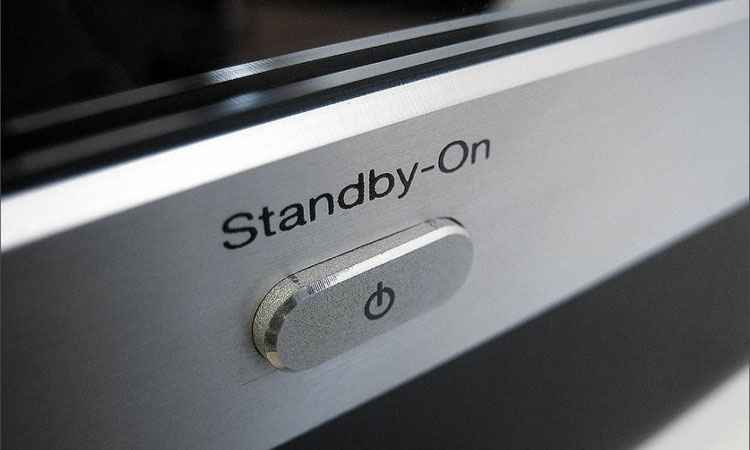 É preciso evitar deixar aparelhos eletrônicos em stand-by. Apesar de desligados, esse modo pode representar gasto mensal de até 12% - Reprodução/Interativa Mix