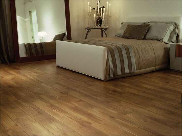 Na foto, piso de carvalho, uma das madeiras indicadas para durabilidade - Reprodução / Internet