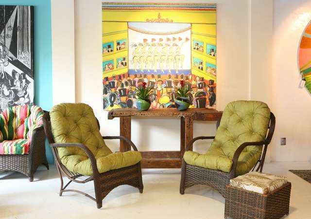 Espaços pequenos também podem ser ótimos lugares para receber os amigos. Basta organizar os móveis e a decoração para ficar mais aconchegante - Fibra Móveis/Divulgação