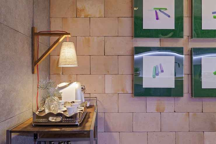 Sai o tijolinho e entra o tijolão. Essa nova tendência em revestimento foi especificado pelo escritório Óbvio Arquitetura na Cozinha Gourmet da Casa Cor Minas  - Henrique Queiroga
