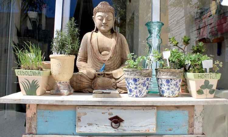 Móveis de madeira de demolição são uma das tendências para compor a decoração de ambientes -