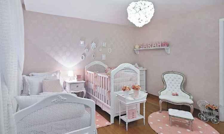 Quarto rosa de bebê projetado pela designer de interiores Danielle Bellini - Jomar Bragança