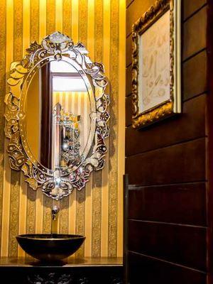 Vanessa Figueiredo escolheu os espelhos soltos venezianos para criar um ar de sofisticação -